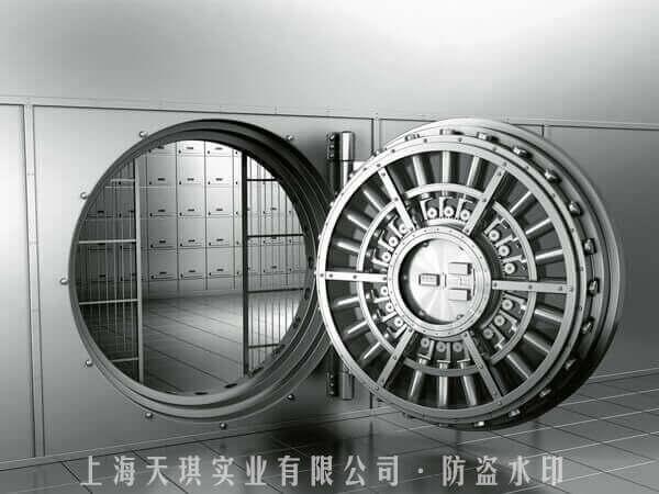 银行金库大门实拍照片